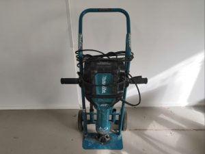 Piikkausvasara / maakiila    2000 W / 31,3 kg